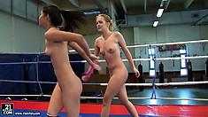Naked ladies Blue Angel and Ruth Medina dance around the corner