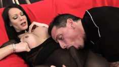 Tranny Fernanda gets sucked through nylons and has her ass drilled