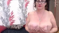 Amateur Julia677 Flashing Boobs On Live Webcam