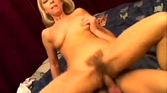 Real Hairy Aus Les Lick Pussy And Fingering In Hd