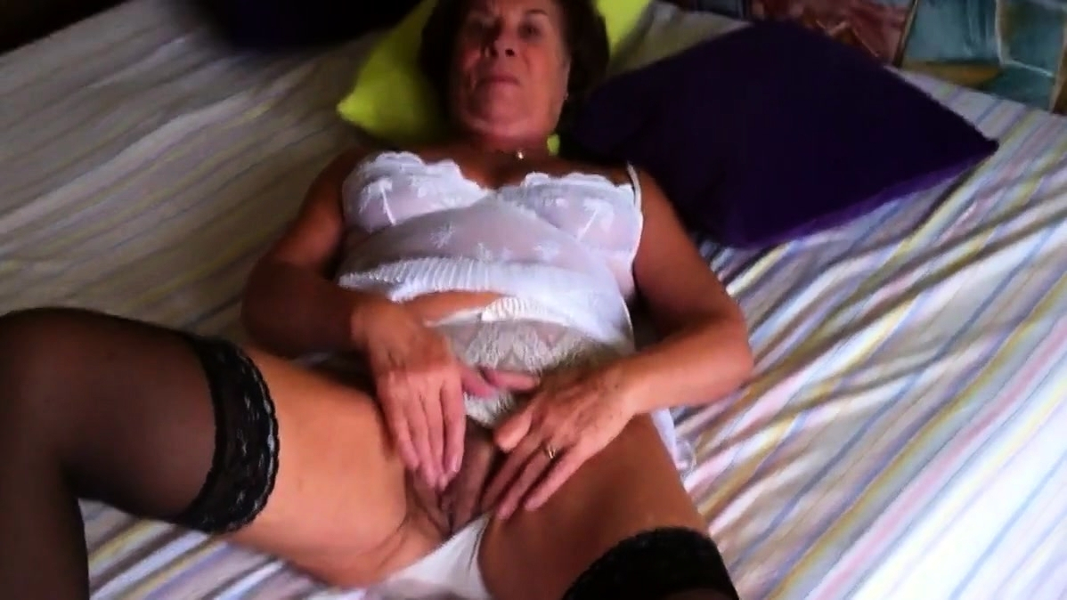 Porno gratis oma Oma. Gratis